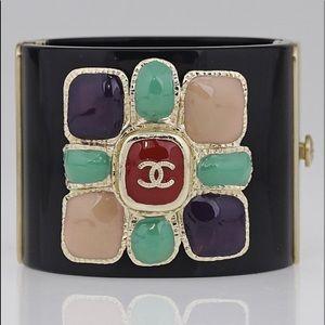 CHANEL Rare Multicolor Stone CC Logo